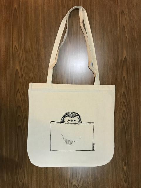 ハリネズミの肩掛けトートバッグ/¥1,650(税込)