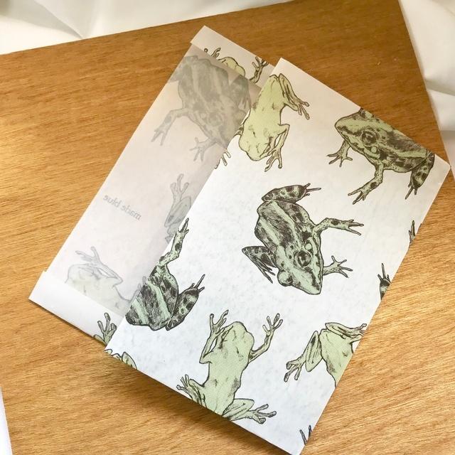 蝋引きブックカバー「Frog」/¥1,400(税込)
